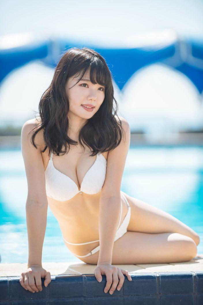 美南衣里「アイドル候補生」が隠していた豊満ボディ!【写真39枚】