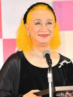 美輪明宏、変装して大好きなコンビニに行くも「周囲にバレバレ」な理由とは?