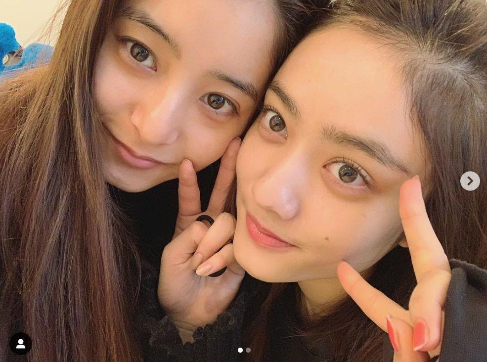 """新木優子&谷まりあ、""""すっぴん姉妹ショット""""に「異次元すぎる ..."""