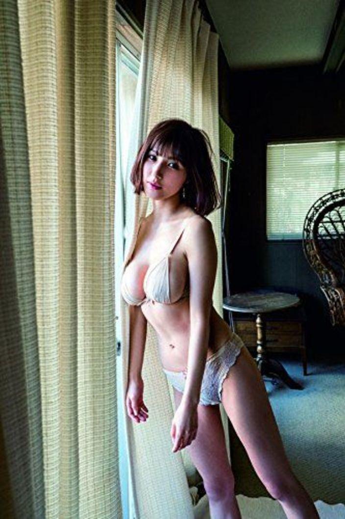 """""""巨乳バカ一代""""野田義治が見出したグラビアアイドル"""