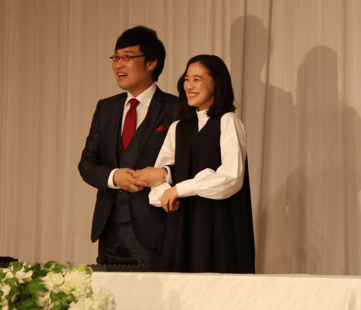 山 ちゃん 蒼井 優 記者 会見