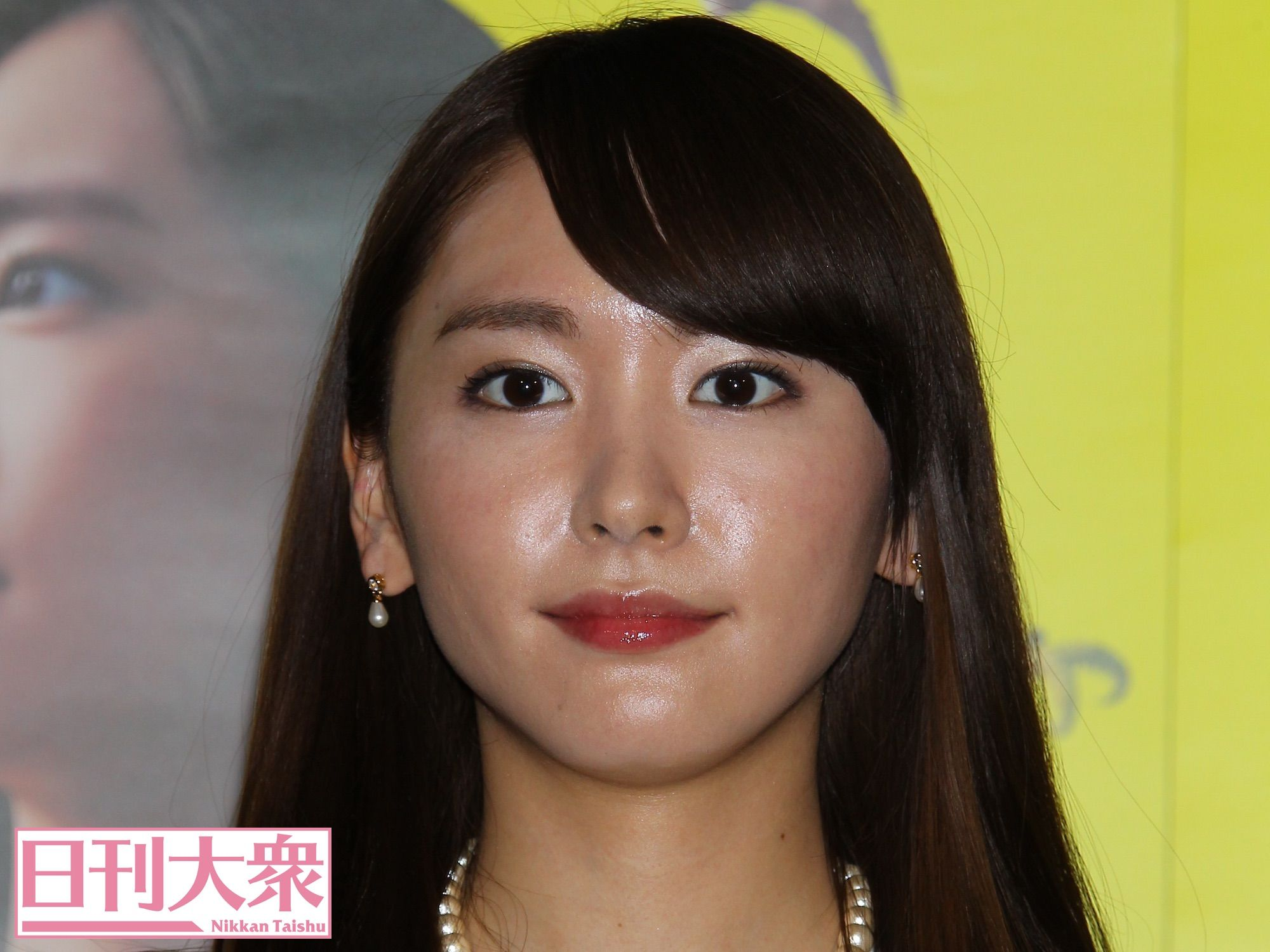 女性の顔ドアップ [無断転載禁止]©bbspink.comYouTube動画>1本 ->画像>439枚