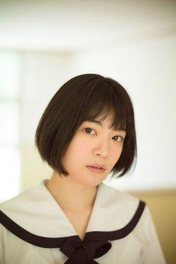 吉田美月喜「期待のCM美少女」黒髪ショートがまぶしい!【写真5枚】