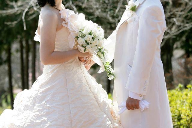 優太 結婚 岸