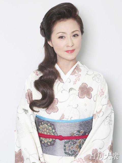 長山洋子「演歌歌手デビュー直前に、急遽アイドルになったんです ...