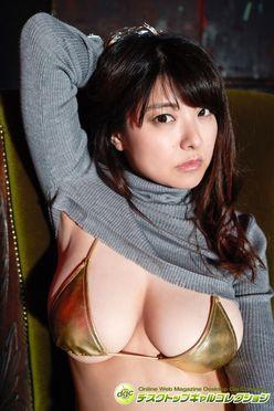 花井美理「伝説の豊満バスト」が華やかに復活!【写真5枚】