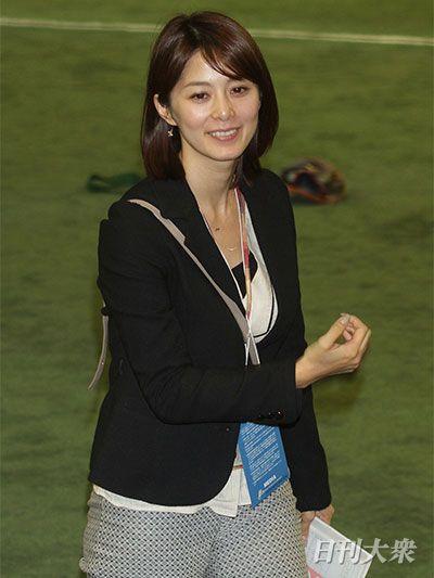 NHK・杉浦友紀アナVSテレ東・大...