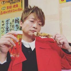 香取慎吾、深田恭子にフラれて「ひとり焼き鳥」 ファンは大ウケ