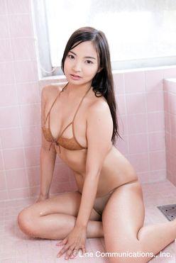 山本有紗「これぞ健康美!」鍛え抜かれた悩殺小麦肌【写真5枚】